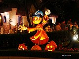 Disneyland Halloween Photo Tour - Kooky Spooky Halloween Night54 pics